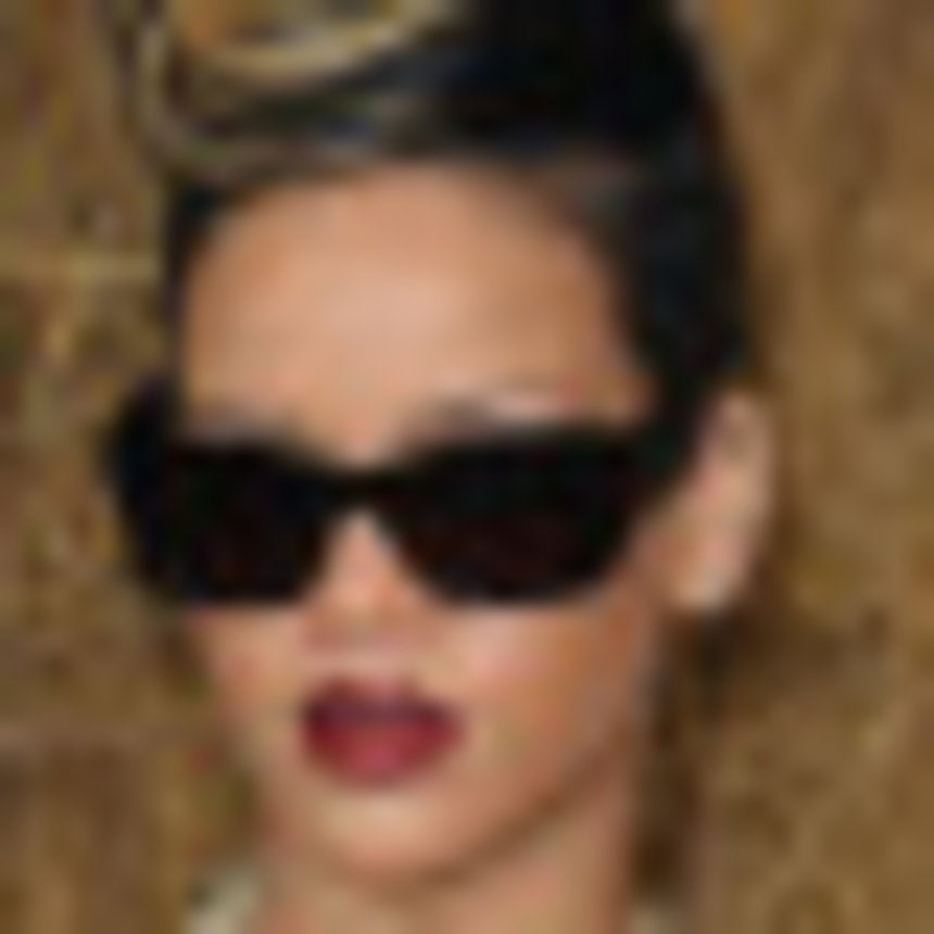 Rihanna Performs on 'Good Morning America'