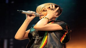 Star Gazing: Rihanna Rocks 40,000 Fans