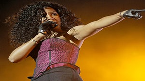 Star Gazing: Kelly Rowland, Back on the Dance Floor