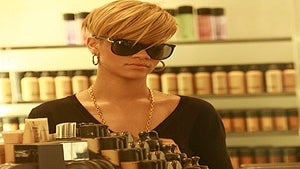 Star Gazing: Rihanna Goes Beauty Shopping