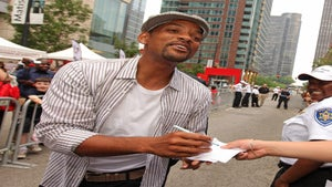 Star Gazing: Will Smith is All Smiles in Chicago
