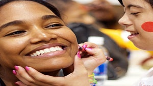 Beauty Beat: Arlenis Sosa Volunteers at Kids Olympics