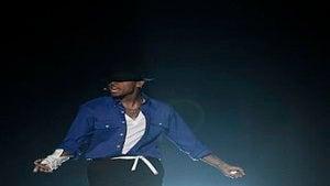 Chris Brown Tribute Similar to MJ at 1988 Grammys