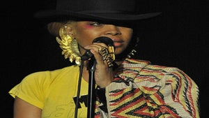 Star Gazing: Erykah Badu Bright and Beautiful