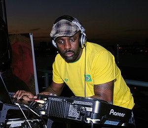Star Gazing: Idris Elba Rocks the Turntables in NYC