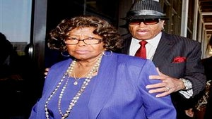 Katherine Jackson to Release Book on MJ