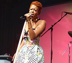 Star Gazing: Kelis Sings It!