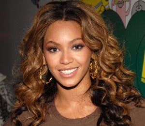 Hot Hair: Curls Stage a Comeback This Fall
