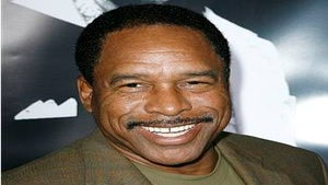 Hall of Famer Dave Winfield Takes on Breast Cancer