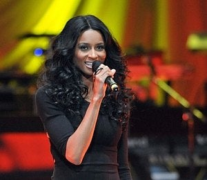 Star Gazing: Ciara Supports Young Leaders
