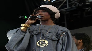 Lauryn Hill Back in Studio, Rocking the Stage