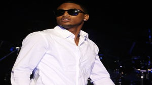 Trey Songz Pulls Ciara on Stage for a Sexy Encounter