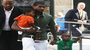 Star Gazing: Usher Hangs with the Boys