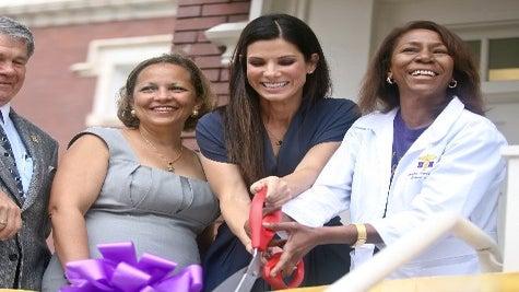 Sandra Bullock Donates to Rebuild NOLA High School