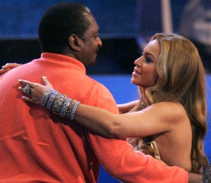 Beyonce and Mathew Knowles Deny Relationship Rift