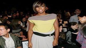 Star Gazing: Kelly Rowland Attends NY Fashion Week