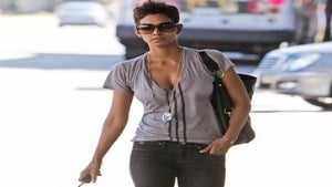 Halle Berry Turns to Mom for Comfort