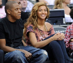 Star Gazing: Jay-Z & Beyonce Get Cozy at Nets Game
