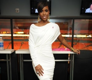 Kelly Rowland Wears Kenneth Cole for Breast Cancer
