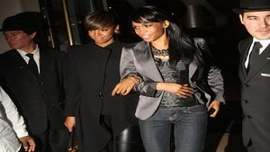 Star Gazing: Kelly and Michelle in Girls' Night Out