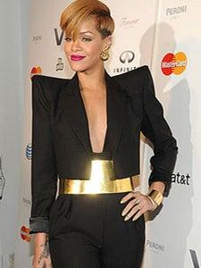 Rihanna Returns to 'Saturday Night Live'