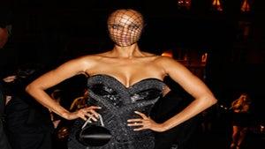 Star Gazing: Tyra Banks Strikes a Pose in Paris