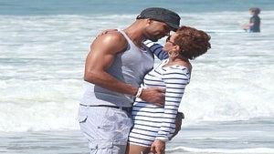 Star Gazing: Nicole and Boris' Beachfront PDA