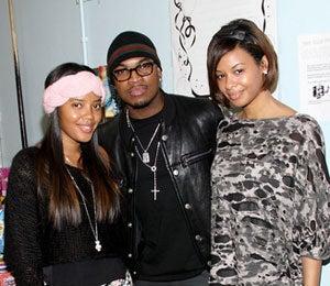 Star Gazing: Ne-Yo Hangs with Simmons Sisters