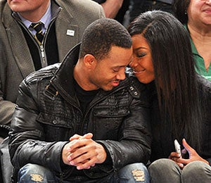 Star Gazing: Brandy, Terrence Cozy Up at Knicks Game