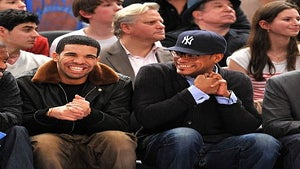 Star Gazing: Drake and Maxwell Heat Up Courtside
