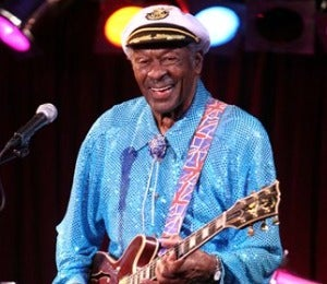 Legendary Chuck Berry Collapses on Stage