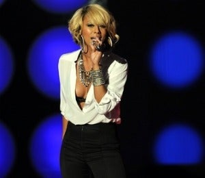 Star Gazing: Keri Hilson Rocks Critics Choice Awards