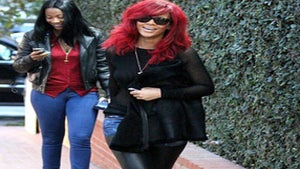 Star Gazing: Rihanna Goes Shopping in L.A.