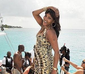 Star Gazing: Vivica A. Fox Goes Yachting in Barbados