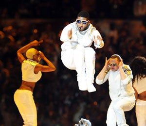Star Gazing: Usher and will.i.am Perform at Super Bowl