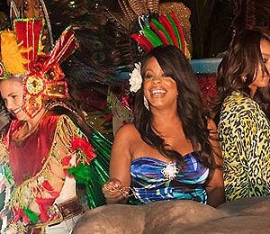 Star Gazing: Niecy Nash Celebrates Carnaval