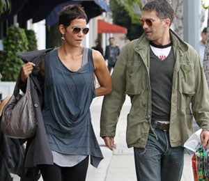 Star Gazing: Halle and Olivier Spotted at a French Cafe