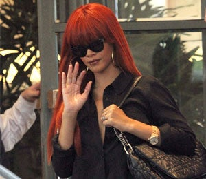 Rihanna Says Her Father Lies to Media for Cash
