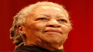 Toni Morrison to Give Rutgers Commencement Address