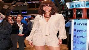 Star Gazing: Tyra Banks Visits Stock Exchange