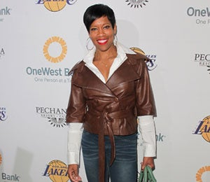 Star Gazing: Regina King Gives Back with the Lakers