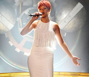 Star Gazing: Rihanna Goes Country at the 2011 CMA's