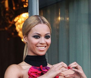 Star Gazing: Beyonce Gets Glam and Sexy in Paris