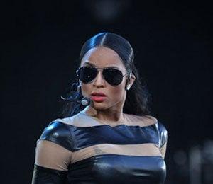 Star Gazing: Ciara Rocks the Crowd Down Under