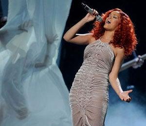 Must-See: Rihanna Wows 'American Idol' Crowd