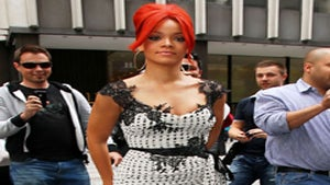 Star Gazing: Rihanna Spices Up Polka Dots