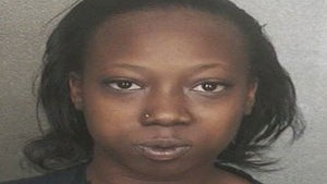 Florida Woman Steals $1600, Hides It in Her Weave