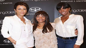 Star Gazing: Nicole and Kelly Support Simone Smith