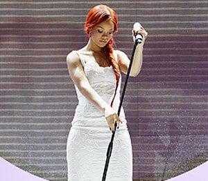 Star Gazing: Rihanna is White Hot in Milan