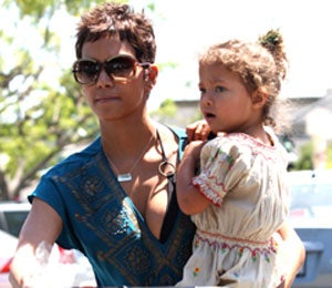 Star Gazing: Halle Berry and Nahla Go Shopping